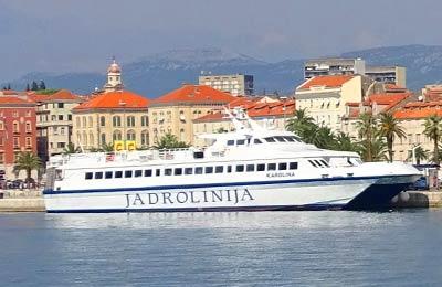 Jadrolinija Fähre in Split, Kroatien